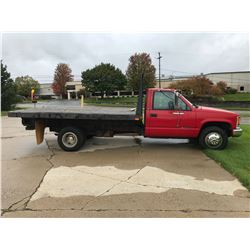 1997 CHEVROLET 3500 FLAT BED TRUCK