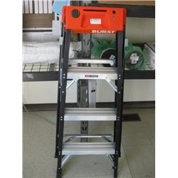 MICRO BURST STEP LADDER