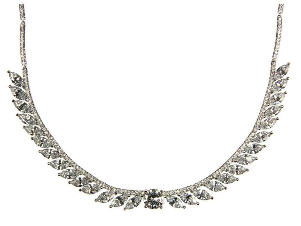 Ladies .925 Silver and Swarovski Element Necklace.