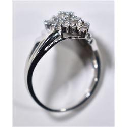 10 KT WHITE GOLD RING W/ 1 CARAT OF DIAMONDS