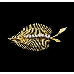 0.30 ctw Diamond Leaf Motif Pin - 14KT Yellow Gold