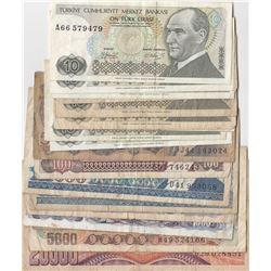 Turkey, 5 Lira, 10 Lira (9), 100 Lira (3), 500 Lira (2), 1.000 Lira (2), 5.000 Lira, 20.000 Lira and