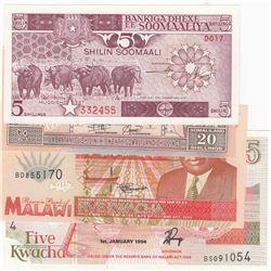 Mix Lot, 4 banknotes in whole UNC conditionbr/Malawi 5 Kwacha, Malawi 5 Kwacha, Soomaali 5 Shillings