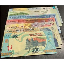 Mix Lot, 7 banknotes in whole UNC conditionbr/Madagascar 1 Ariary, Madagascar 2000 Ariary, Madagasca