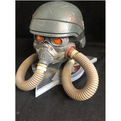 Killzone 3 Helghast Gas Mask Helmet Limited Edition Display Storage Case