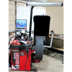 Hunter Road Force GSP9700 Commercial Tire Balancing Machine (Works - See Video)
