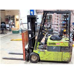 Clark Material Handling Co Three Wheel Pneumatic Forklift 7520
