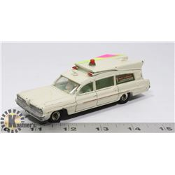 DINKY TOYS SUPERIOR CRITERION AMBULANCE 1961