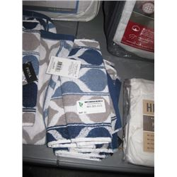 6PC PRIYA PATTERN FINGER TIP TOWEL 11 X 18 INCHES