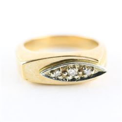 Gents 10kt Gold Ring Size 9.5 3 Diamonds. 6.87gr E