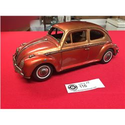 VW Bug Made in Japan Battery Operated Car Missing hubcap. Untested