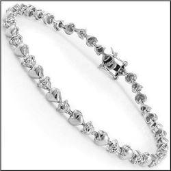 Plated Rhodium 0.28ctw Diamond Heart Bracelet