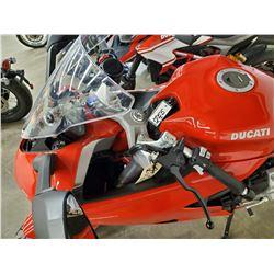 Motorcycle: 2017 Ducati Super Sport