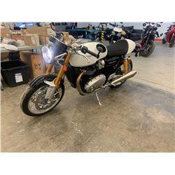 Motorcycle: 2018 Triumph THRUXTON R