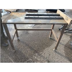 Steel Workbench and 5th wheel Rails