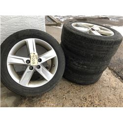 2009 Toyota Factory alloy rims, with  Michelin tires 215/55 R17