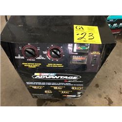 Nascar Advantage Schumacher 200 A 12V engine start, 100 A 6V engine start (0899003751-1)