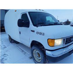 2005 Ford 4X4 cube Van with full access vertical lift rear door  Just serviced @Tire Craft Saskatoon