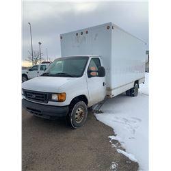 2004 Ford F450 Dually Cube Van - 6.0L Diesel - 186K km