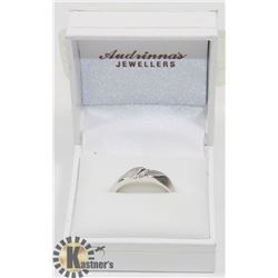 10K WHITE GOLD WITH DIAMOND RING