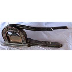 Penn Hardware Co. tobacco cutter