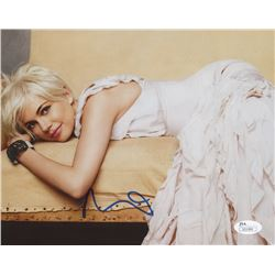 Michelle Williams Signed 8x10 Photo (JSA COA)