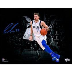 Luka Doncic Signed Dallas Mavericks 11x14 Photo (Fanatics Hologram)