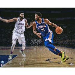 Joel Embiid Signed Philadelphia 76ers 16x20 Photo (Fanatics Hologram)