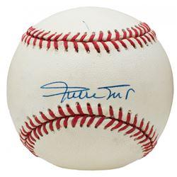 Willie Mays Signed ONL Baseball (Beckett COA)