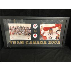 2002 TEAM CANADA MENS HOCKEY GOLD MEDALISTS FRAMED DISPLAY 12 X 30
