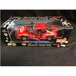 1:18 SCALE METAL DIE-CAST 2000 MONTE CARLO OFFICIAL PACE CAR OF INDY 500
