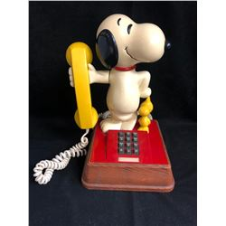 Vintage The Snoopy And Woodstock Push Button Telephone