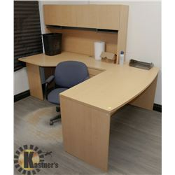 BLOND WOOD TONE L SHAPE OFFICE DESK WITH HUTCH