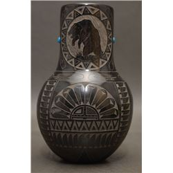 SIOUX INDIAN POTTERY VASE (RED STARR)
