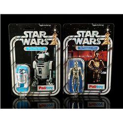 STAR WARS: A NEW HOPE - See-Threepio (C-3PO) and Artoo-Detoo (R2-D2)