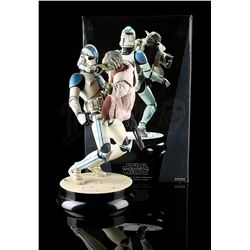STAR WARS: RETURN OF THE JEDI - Yoda and Clone Trooper Statue