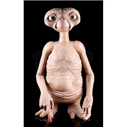 E.T. THE EXTRATERRESTRIAL - E.T. 1:1 Scale Stunt Puppet Prop Replica