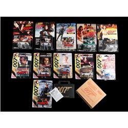 JAMES BOND: VARIOUS FILMS - Vehicles & Trading Cards