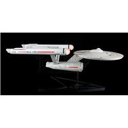 STAR TREK: THE ORIGINAL SERIES - USS Enterprise NCC-1701 Model Replica