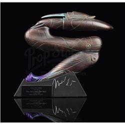 STARGATE SG-1 - Michael Shanks Signed Zat Gun Prop Replica