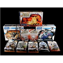 STAR WARS: THE CLONE WARS - Clone Wars Vehicles & Action Figures