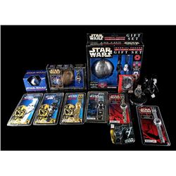 STAR WARS TOYS - Various Time Pieces