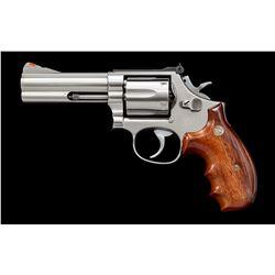 Custom Smith &  Wesson Model 686 Revolver