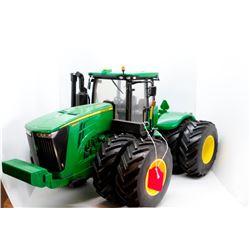 John Deere 9560R 4wd tractor detailed 1:16