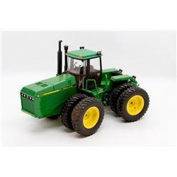 John Deere 8960 tractor 1:32 detailed