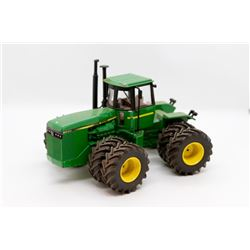John Deere 8850 tractor 1:32