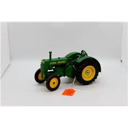 John Deere BR tractor 1:16