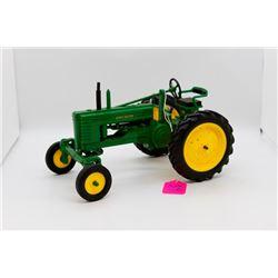 John Deere B WF tractor 1:16