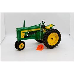 John Deere 620 toy tractor 1:16