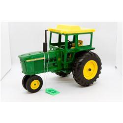 John Deere 4020 toy tractor 1:16